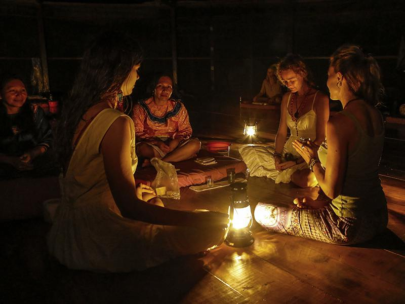 Ayahuasca_ceremony